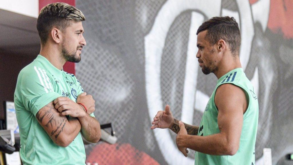 Arrascaeta e Michael no Centro de Treinamento do Flamengo (Ninho do Urubu) - foto: reprodução